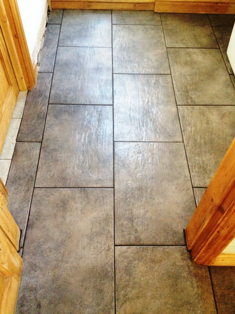 Cleaning And Colouring Ceramic Tiled Floor Grout
